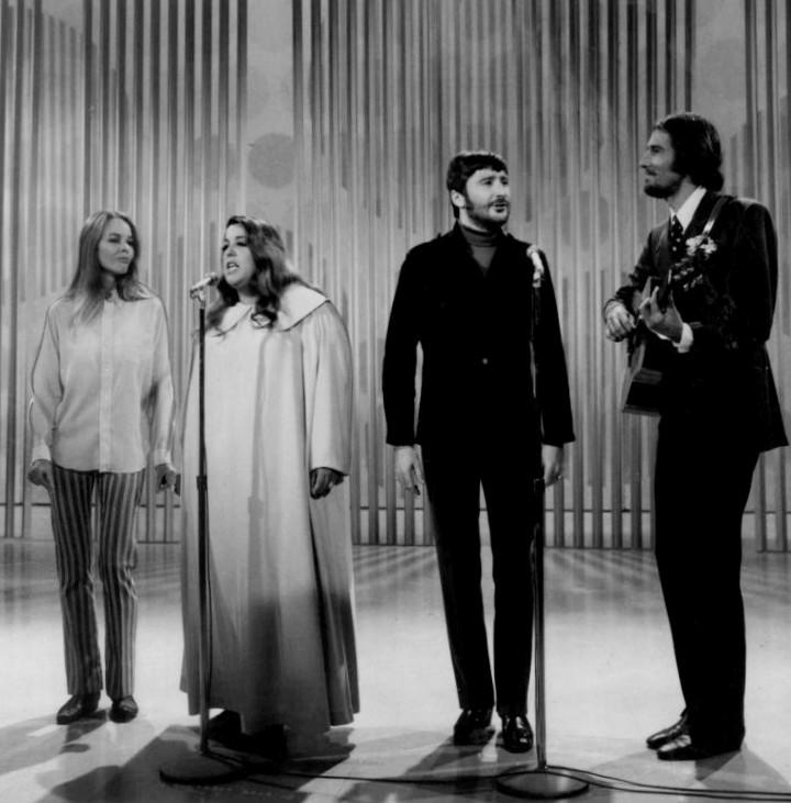 The_Mamas_and_the_Papas_Ed_Sullivan_Show_1968