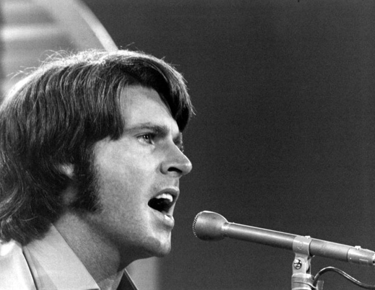 Rick_Nelson_performing_1970